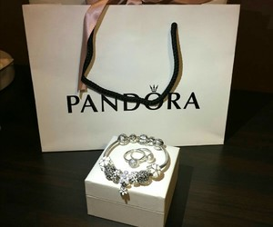 accessories, bracelet, and box image