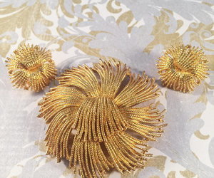 costume jewelry, etsy, and vintage brooch image