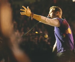 boys, Chris Martin, and sing image