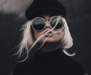 fashion, black, and beauty image