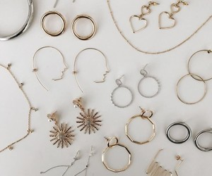 accessories, gold, and jewerly image