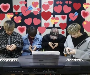 Chan, hearts, and stray kids image