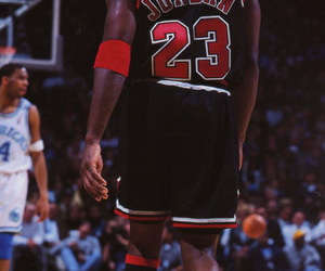 Basketball, chicago bulls, and michael jordan image