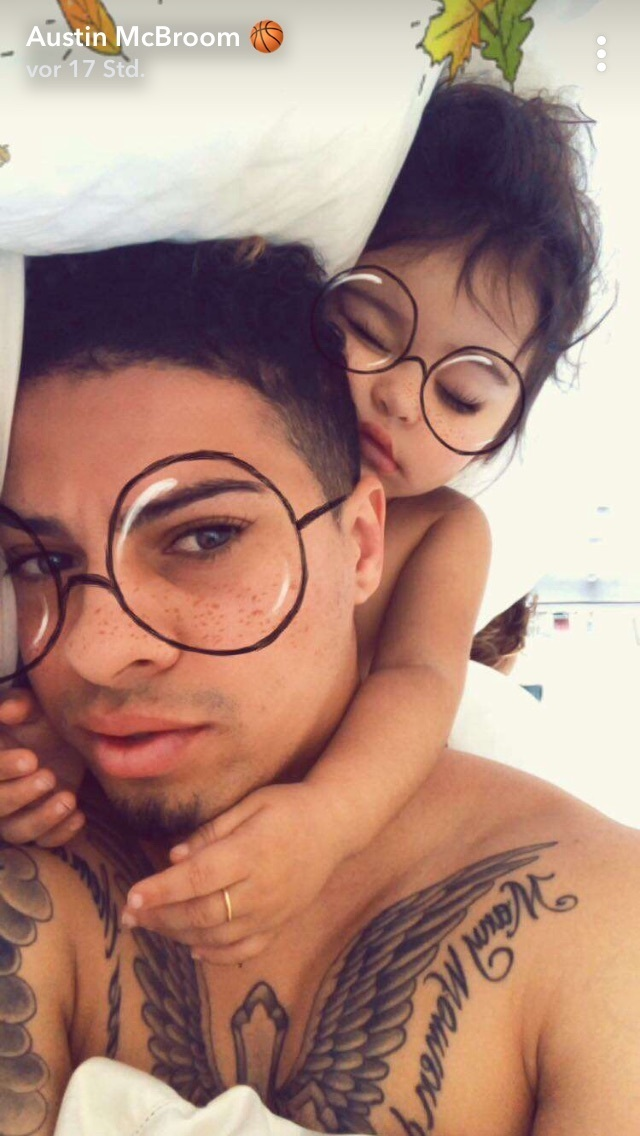 baby, daddy, and snapchat image