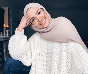 hijab, muslim, and fashion image