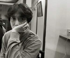 actor, singer, and jung yong hwa image