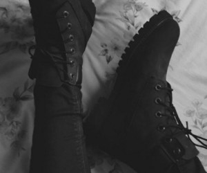 black, boots, and grunge image