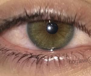 cry, green, and green eyes image