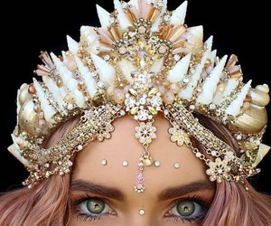 girl, crown, and eyes image
