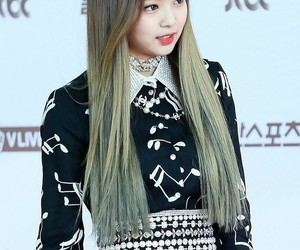 alternative, hairstyle, and jendeuk image