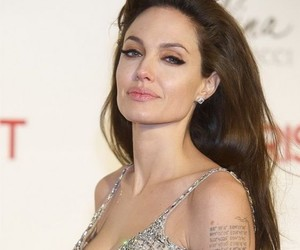 Angelina Jolie and hair image