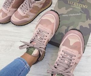 fashion, Valentino, and pink image