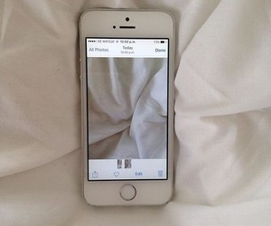 iphone, aesthetic, and pale image