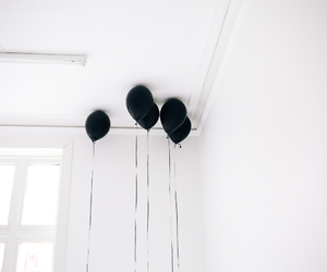 balloon, photography, and black and white image