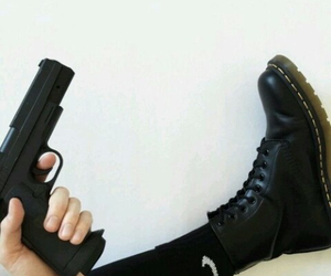 black, grunge, and gun image