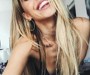 blonde, smile, and we heart it image