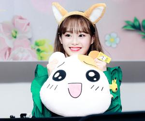 loona, chuu, and kim jiwoo image