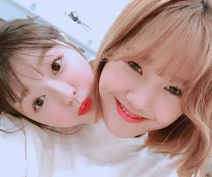 mimi and ohmygirl image