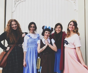friends, dodie clark, and doddleoddle image