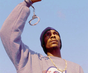 snoop dogg, 90s, and handcuffs image