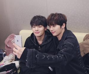 kpop, Minho, and jeongin image