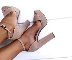 lindos, zapatos, and tacones image
