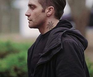 jake gyllenhaal and prisoners image