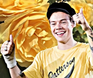 styles, wallpaper, and yellow image