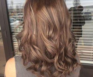short hair, light brown hair, and hair inspo image