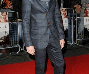article, ewan mcgregor, and outfits image
