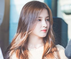 kpop, Nancy, and momoland image