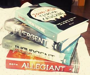 insurgent, book, and divergent image