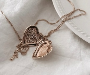 heart, necklace, and aesthetic image