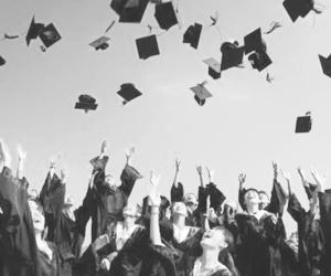 amigos, escuela, and graduados image