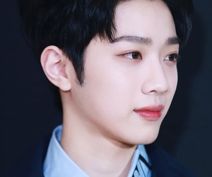 kpop, wanna one, and kuanlin image