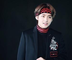 black, bts, and kim taehyung image