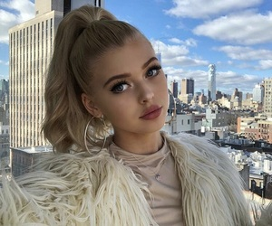 loren, model, and loren gray image