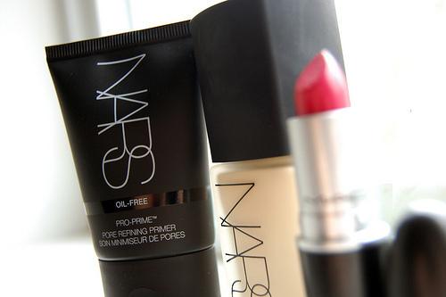 glossy, lip, and lips image