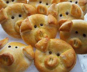 food, pig, and piggy image