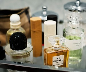 perfumes and scents image