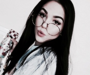 maggie lindemann, glasses, and tumblr image