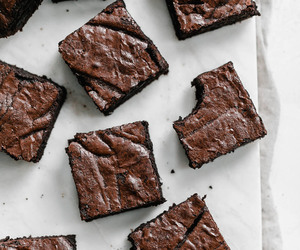 food, sweet, and brownies image