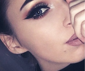 eyeliner, face, and Nude image