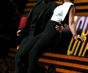 beyonce knowles, ellen, and grammys image