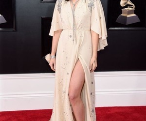 belleza, grammys, and alfombra roja image