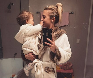 baby, family, and tammy hembrow image