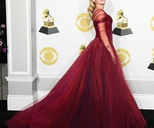 miley cyrus and grammys image