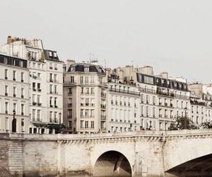 paris and architecture image