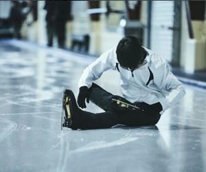 figure skating and yuzuru hanyu image