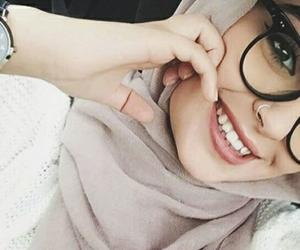 ﺭﻣﺰﻳﺎﺕ and حجاب image